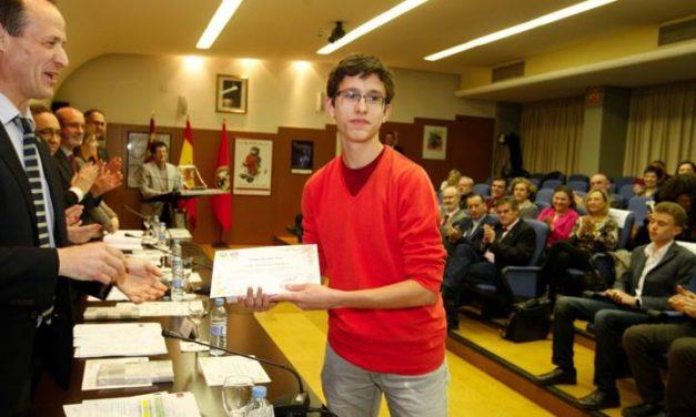 Alumnos premiados en Olimpíadas y Concursos Matemáticos – 2015