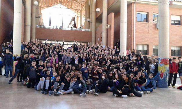El IES Juan Carlos I se une al paro contra la violencia machista en el Día de la Mujer Trabajadora