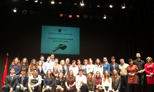 Entrega de los Premios extraordinarios de ESO y de Bachillerato
