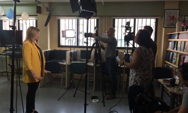 El I.E.S. Juan Carlos I, escenario de entrevista de la B.B.C. Studioworks para la difusión del PREAR