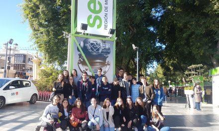 Visita del grupo de primero de bachillerato de Investigación a la Semana de la Ciencia y la Tecnología