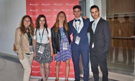 Alumnos del IES Juan Carlos I en el VII Congreso «Investiga I+D+i» 2015-16