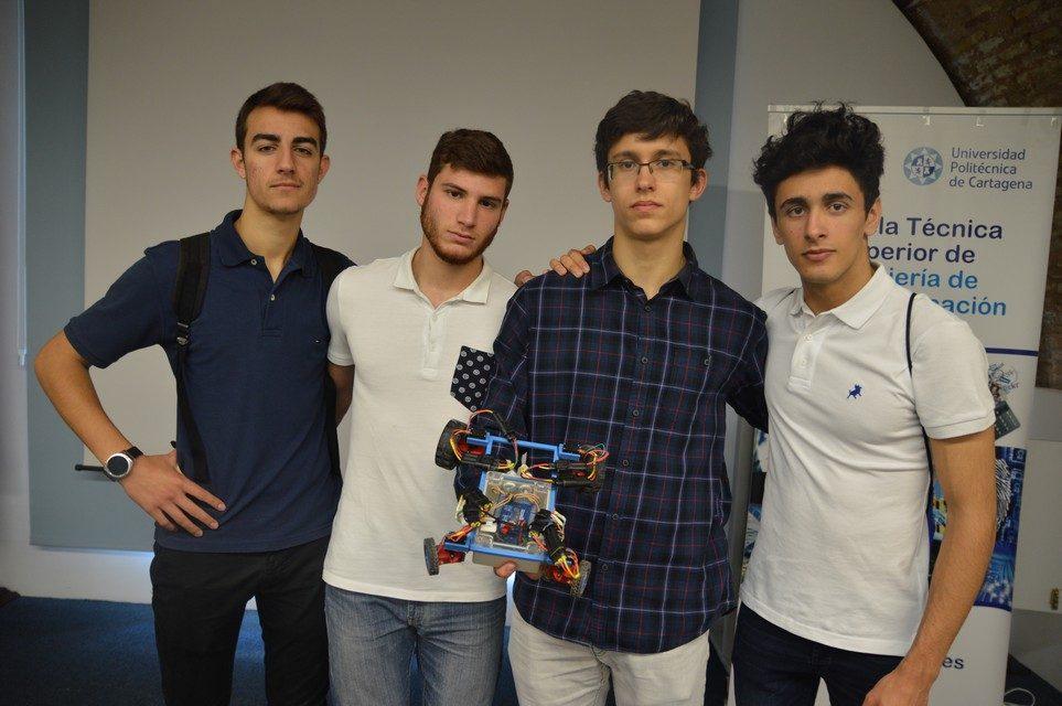 Alumnos de 2º bachillerato de investigación, primer premio en el Concurso Tecnológico de Teleco (UPCT)