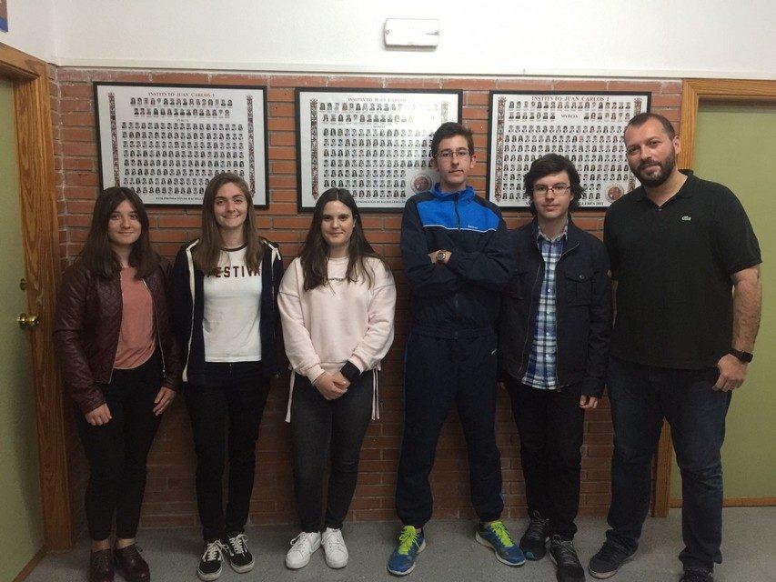 Cinco alumnos del IES Juan Carlos I en la fase final del concurso Rétame y Aprendo