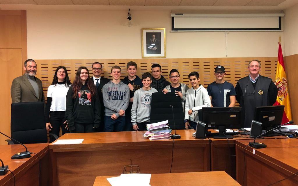 Nuestros alumnos de mediación visitan la Ciudad de la Justicia