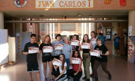 Alumnado del centro participante en la actividad «Marcapáginas Solidario»