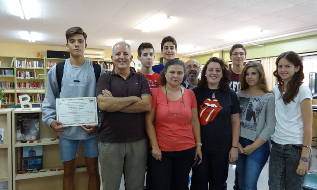 Premios en certámenes nacionales para trabajos de alumnos de 1º bachillerato de investigación del IES Juan Carlos I