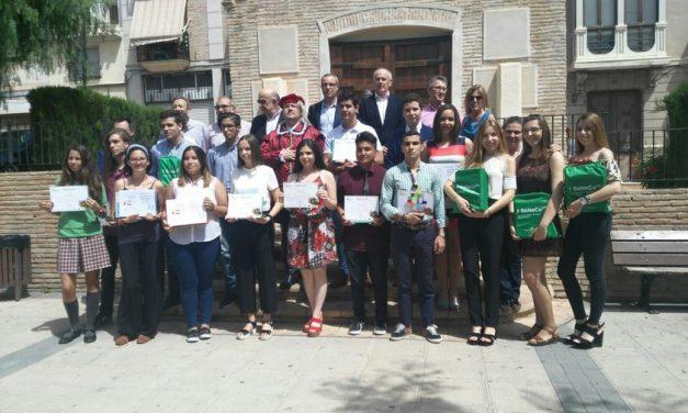 Alumnas premiadas en concurso de investigación histórica