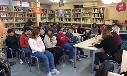 Encuentro de alumnos de 2ºESO con el escritor Pablo de Aguilar