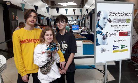 Ganadores de la Olimpiada de Robótica de la UMU