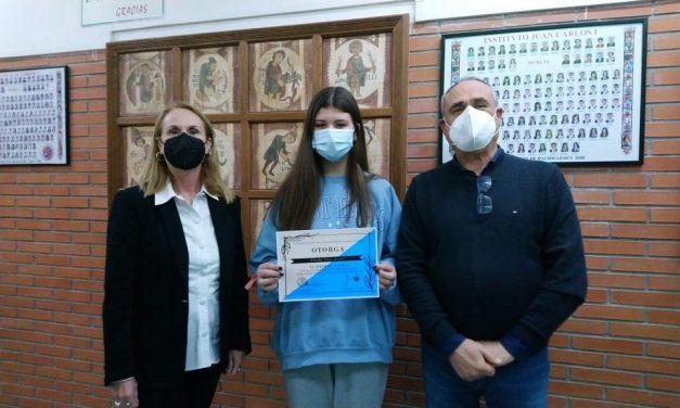 """Alumna de 1º bachillerato de humanidades, premiada en el concurso """"Los dioses tienen wifi"""""""